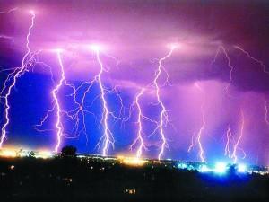 Storms_Lightning-300x225